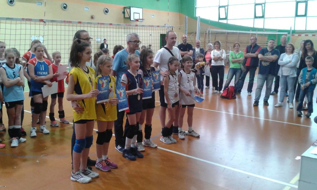 Medalistki w kategorii dwójek: Czwórka Aleksandrów, Lider Konstantynów i Volley 34 Łódź