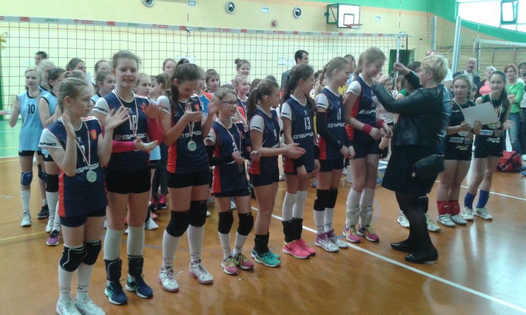 Medalistki w kategorii trójek: Lider II i I Konstantynów oraz UMKS Tuszyn